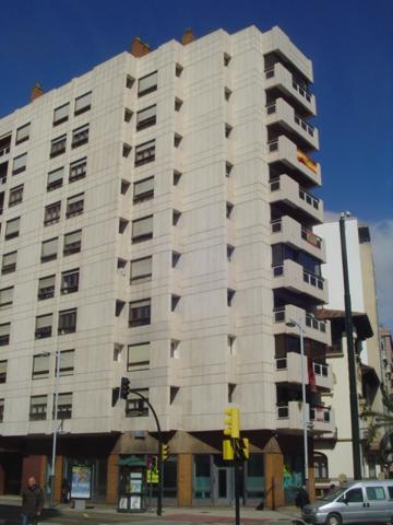 Sector Centro - Avenida Goya - Paseo Sagasta. 148 metros útiles, para reformar. Todo exterior. 4 dormitorios, 2 baños. Garaje incluido.  photo 0