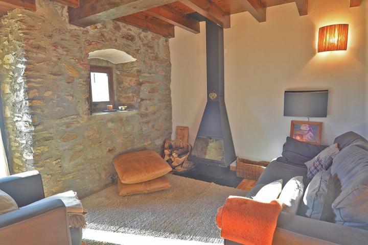 Casa Adosada en venta en Fontanals De Cerdanya, con 123 m2, 4 habitaciones y 3 baños, Piscina y Garaje. photo 0