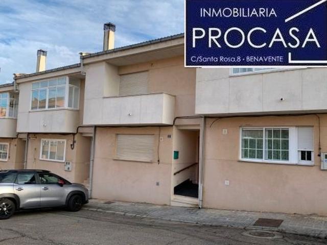 Casa En venta en Calle Pravia, 23, Benavente photo 0