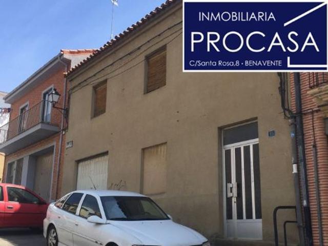 Casa En venta en Calle Pelambres, 15, Benavente photo 0