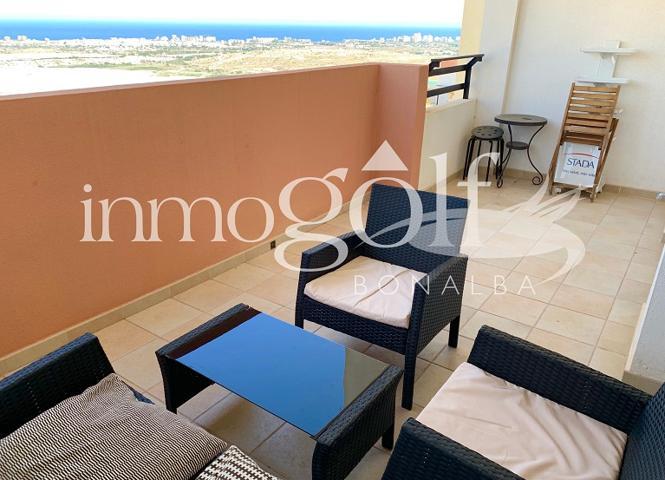 Apartamento con impresionantes vistas sobre el campo de golf y costa alicantina. Con un total de 59 m2 repartidos en salón comedor con salida a la terraza, cocina con ventana, 2 dormitorios, un baño completo y gran terraza con bonitas vistas. photo 0