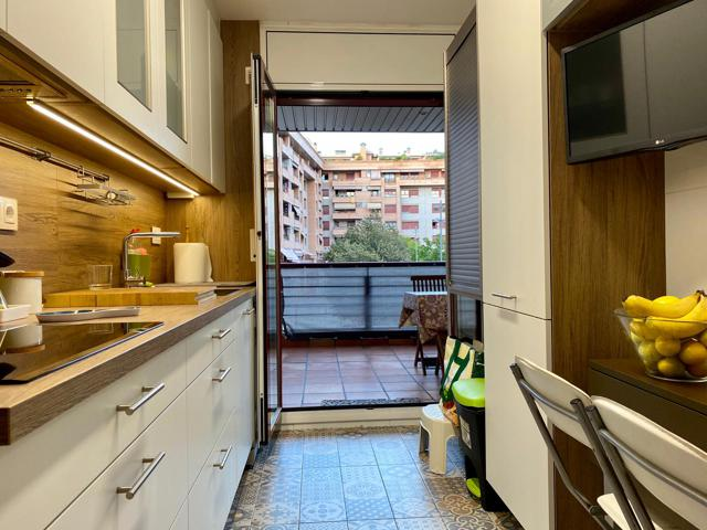 Semi nou, 3 dormitoris, 2 banys, 23,50m2 de terrassa photo 0