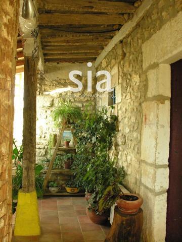 Chalet Independiente en venta en Pariza, con 400 m2, 4 habitaciones y 2 baños, Piscina, Amueblado y Calefacción Caldera de biomasa. photo 0