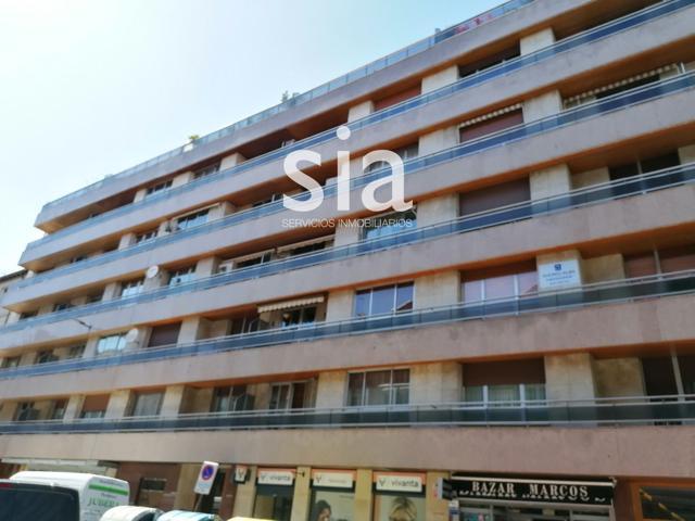 Piso en venta en Vitoria-Gasteiz, con 106 m2, 2 habitaciones y 2 baños, Ascensor y Calefacción Central. photo 0