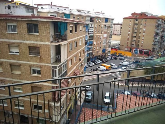 Piso en venta en Miraflores de los Ángeles, 3 dormitorios. photo 0