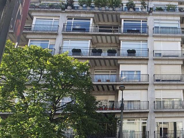 ¡¡¡¡¡FINCAS DEL HOYO!!!!! vende EXCLUSIVO piso en Gran Vía con garaje directo con 4 habitaciones más 1 de servicio, 3 baños, 2 puertas de entrada, 2 ascensores. En una de las mejores zonas de Gran Vía con muchísima luz y una terraza muy agradable ... photo 0