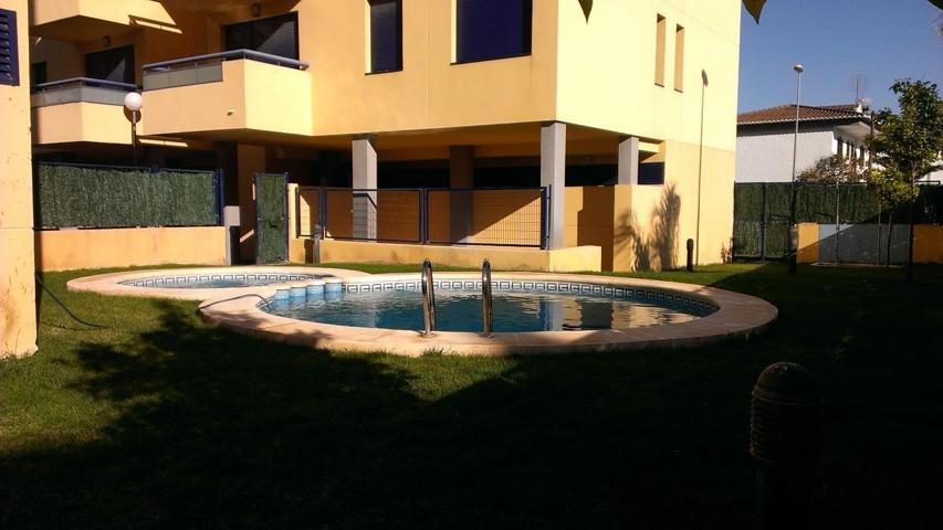 Apartamento en venta de origen cuidado en Bellreguard consta de dos habitaciones, un aseo y un baño. Primero con ascensor, piscina, terraza, zona infantil, parking photo 0