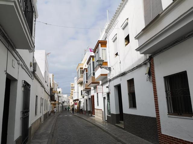 Parte de casa, salón-dormitorio, cocina y baño. REFORMADO a 2 min de la playa Costilla. photo 0