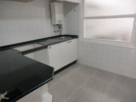 Alquiler piso amplio luminoso y céntrico photo 0