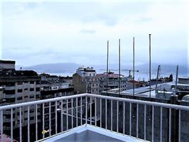 Alquiler ático céntrico sin muebles con vistas al mar photo 0