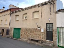 Casa de pueblo en dos plantas, con terraza, garaje y calefaccion. photo 0