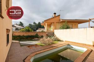 Casa pareada con piscina en Huetor Vega photo 0