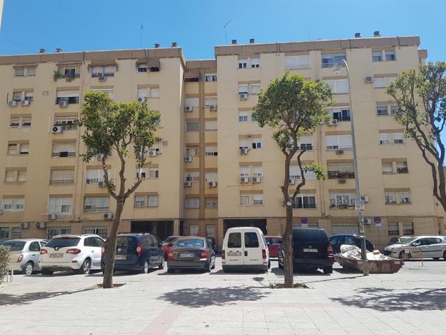 Piso En venta en Calle Enfermeras, Pino Montano - Consolación, Sevilla Capital photo 0
