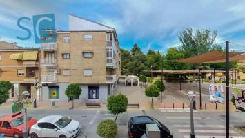 Fabulosa vivienda junto el Ayuntamiento de Peligros, para entrar a vivir, con garaje y trastero. photo 0