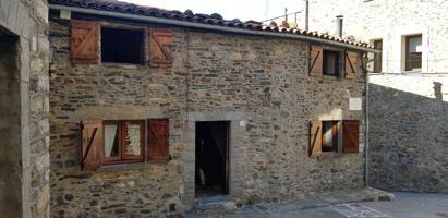 Casa En venta en Carrer Mestre Isern, Pardines photo 0