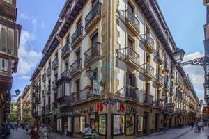Calle Narrika, junto al Boulevard, vendo 2º piso, estado a reformar.Portal con ascensor amplio a cota 0. photo 0