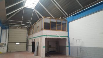 Industrial En venta en Alcalá De Henares photo 0