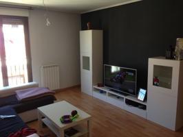 En Castellanos...Preciosa vivienda 2 dormitorios, garaje y zonas comunes, piscina. photo 0