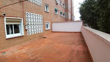 Piso En venta en Avenida De Colón, Badajoz Capital photo 0