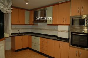 Piso en venta en Ponteareas, con 96 m2, 3 habitaciones y 2 baños, Garaje, Trastero, Ascensor y Calefacción Gas propano. photo 0