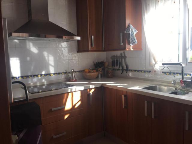 Adosado en venta en Umbrete, 4 dormitorios. photo 0