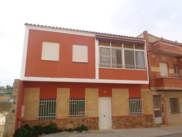 Casa En venta en Calle Mare De Deu De La Fontsanta, Vilamarxant photo 0