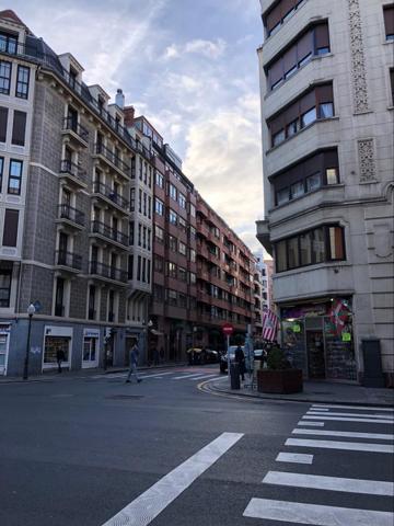 Piso En venta en Abandoibarra - Guggenheim, Bilbao photo 0