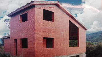 OPORTUNIDAD CHALET EN CONSTRUCCIÓN POR SITUACIÓN Y PRECIO EN PARCELA DE 800 M2, ESTRUCTURA TERMINADA FALTAN INTERIORES. SUPERFICIE CONSTRUIDA 320 CON UN GARAJE DE 80 M2. photo 0