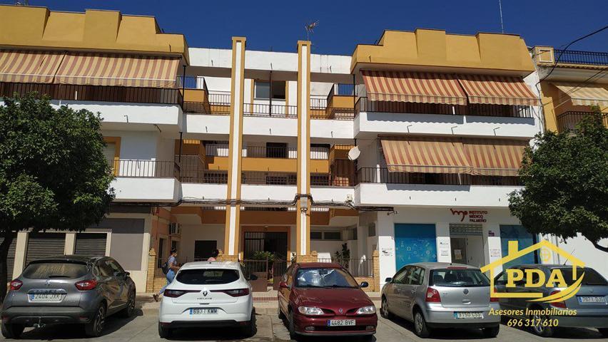 Piso en venta en Palma Del Rio, 4 dormitorios. photo 0