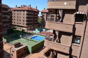 Piso En venta en Calle Brigadas Internacionales, Alcalá De Henares photo 0