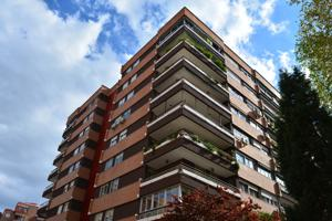 Piso En venta en Calle Calderón De La Barca, Alcalá De Henares photo 0