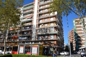 Local En venta en Avenida Caballería Española, Alcalá De Henares photo 0