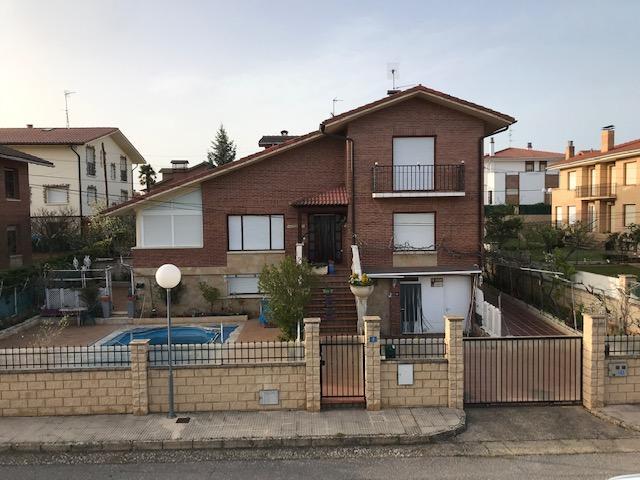 Casa En venta en Calle Andaverde, Labastida - Bastida photo 0