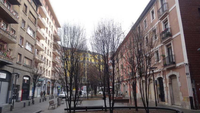 'Inmobiliaria Metrópolis' les presenta la oportunidad de adquirir un piso reformado y muy céntrico en zona Campo Volantín, con ascensor. photo 0