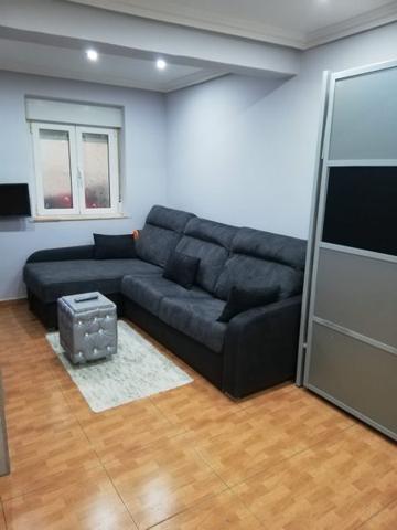 Lasarte, céntrico se vende apartamento con bajera photo 0