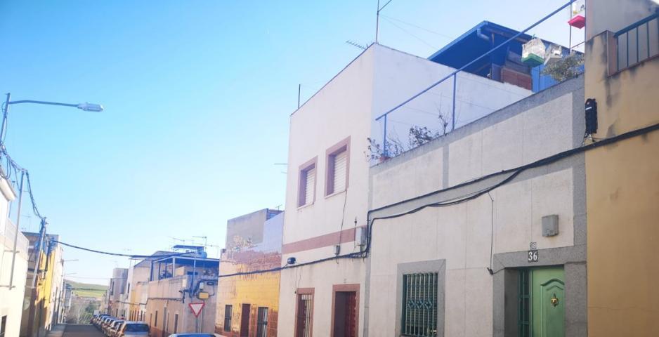 2plantas,107m2,4dorm.,2baños,salón,cocina,trastero y terraza. photo 0