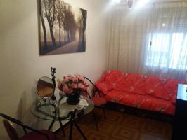 Se vende piso en Chorrillo, 3 dormitorios, baño, salón de paso, cocina reformada, terraza. Sin ascensor photo 0