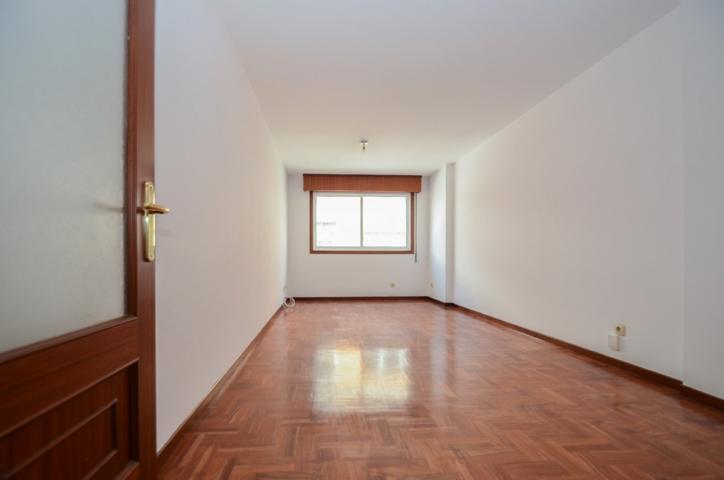 Piso de 3 habitaciones, garaje y trastero en el centro de Vigo photo 0