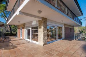Casa En venta en Ca N\'Amat, Sant Esteve Sesrovires photo 0