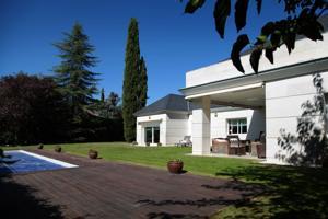 Casa En venta en Villafranca Del Castillo, Villanueva De La Cañada photo 0