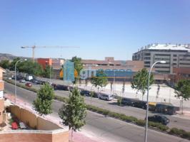 Adosado de Esquina a la venta en zona Ensanche, Alcala de Henares photo 0
