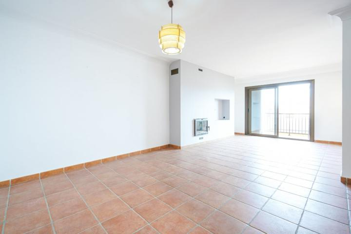 Se vende piso muy amplio con cuatro dormitorios en Inca, Palma de Mallorca photo 0