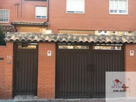 Casa En venta en Calle Juanelo Turriano, 15, Alcalá De Henares photo 0