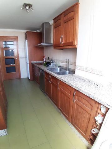 Reformada recientemente, esta vivienda está lista para entrar a vivir. Distribuida en 3 dormitorios con terraza photo 0