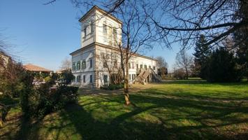 Casa In vendita in 41100, Modena, Modena photo 0
