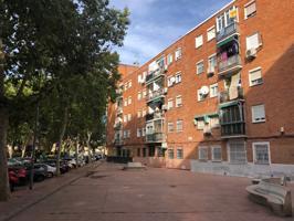 Piso En venta en Paseo Del Val, Alcalá De Henares photo 0
