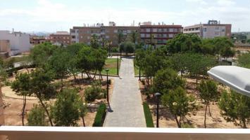 Piso para vivir de 3 dormitorios dobles y 2 baños con vistas panorámicas a parque Los Montesinos. photo 0