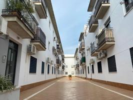 Piso en venta en Ecija, con 90 m2, 3 habitaciones y 2 baños, Garaje, Trastero, Ascensor y Aire acondicionado. photo 0