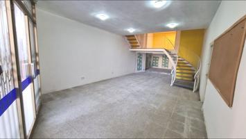Sant Celoni: Local con fachada a Plaça de la Vila photo 0