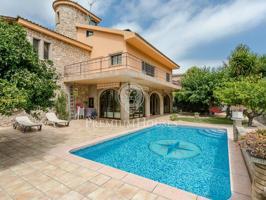 Unifamiliar en Alella con piscina - Costa Bcn photo 0